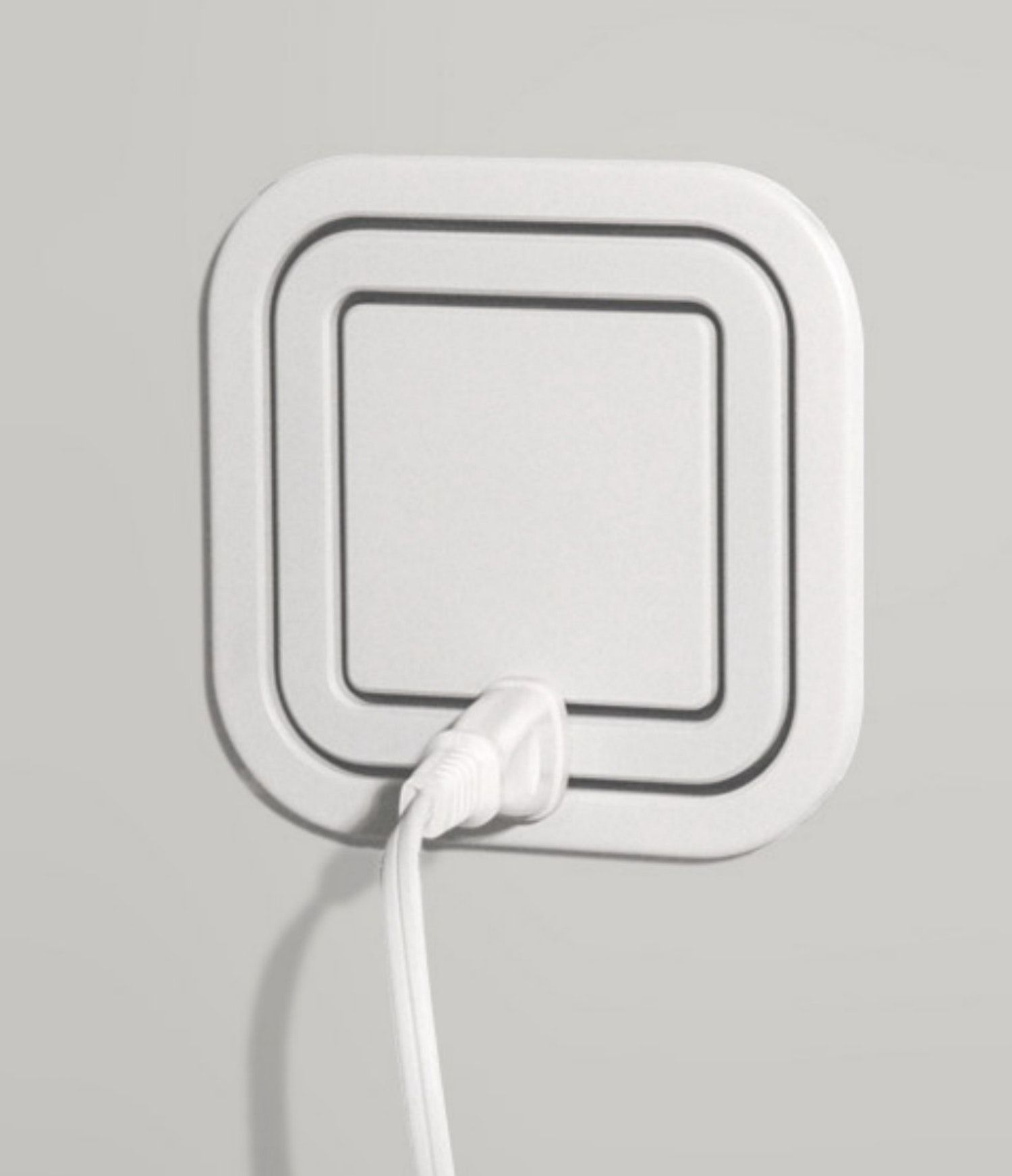 Node Power Outlet Allows Users to Plug In At Every Angle | Outlets ...