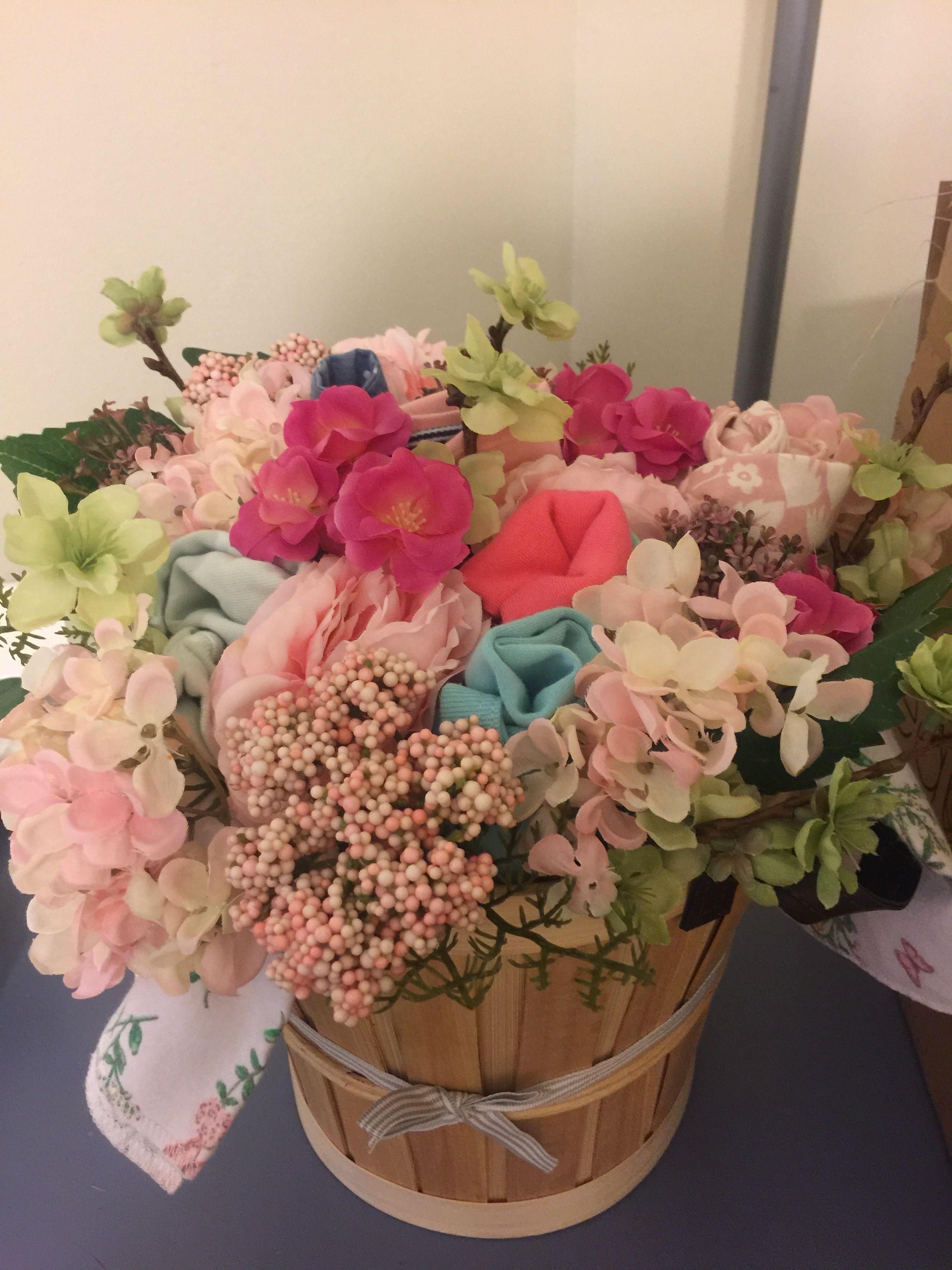Baby Shower Bouquet Onesie Bouquet Plus Silk Flowers I Pretend To