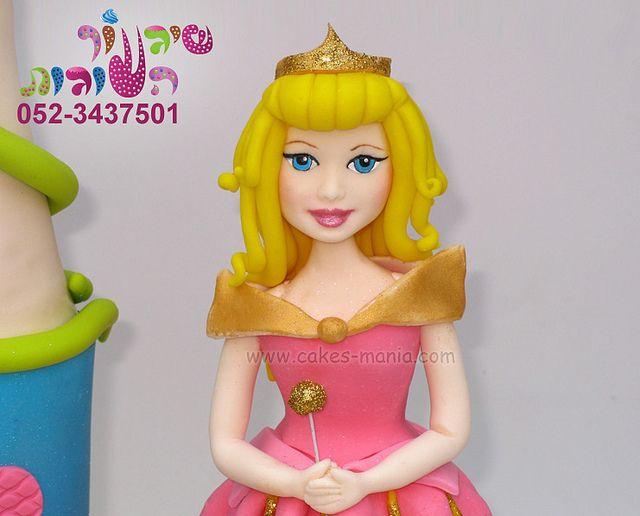 mini castle cake and  princess aurora by cakes-mania   עוגת מיני טירה והנסיכה אורורה מאת שיגעון העוגות - www.cakes-mania.com