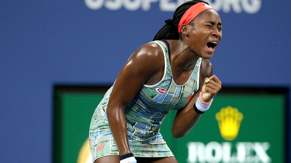 An Eye Catching Headband For The Extraordinary Tennis Teenager Coco Gauff In 2020 American Tennis Players Short Term Goals Tennis Professional