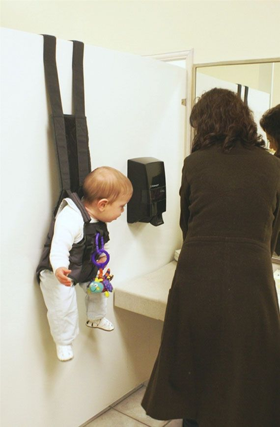 Hands-Free Over The Door Baby Holder . I'll take two...
