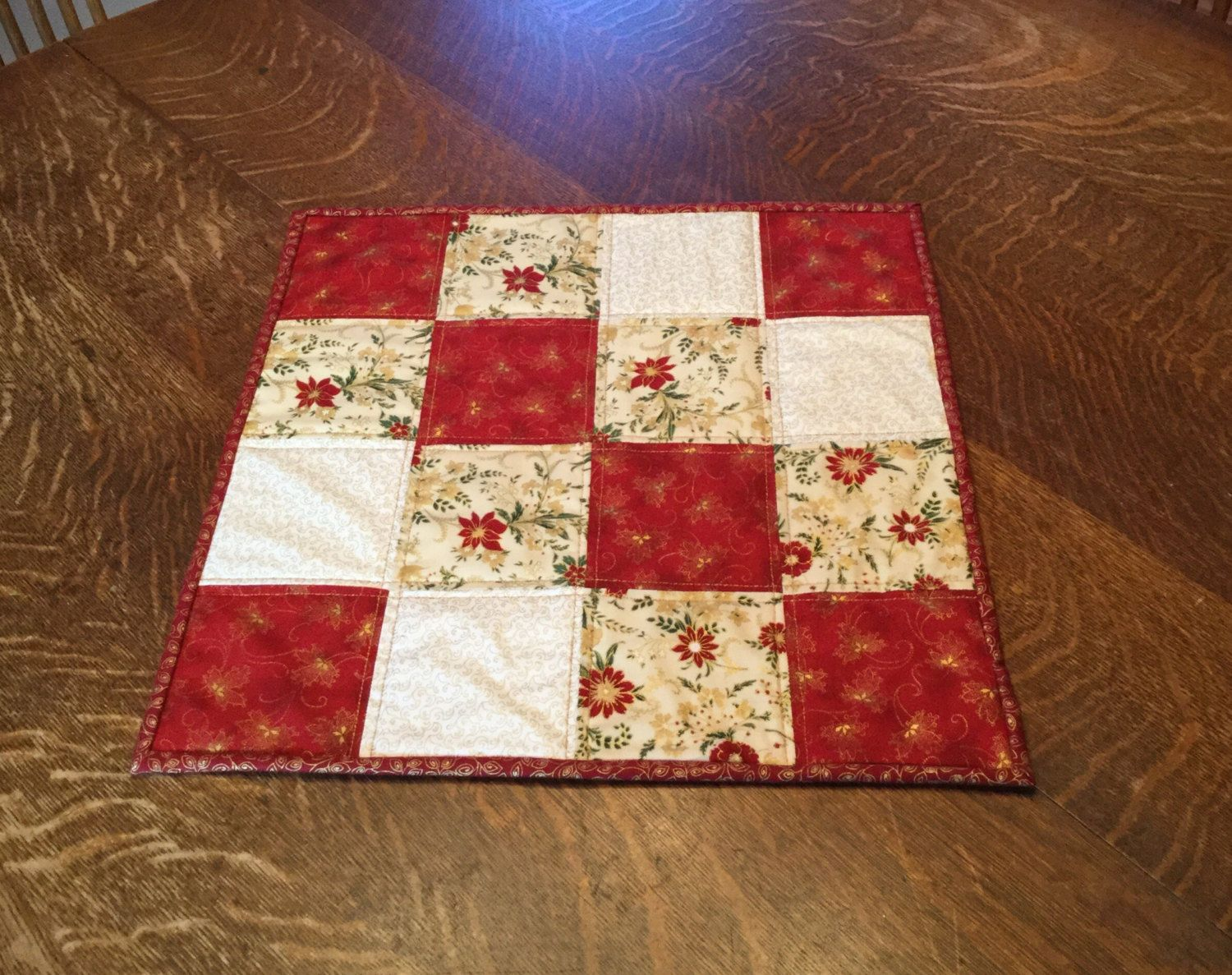 Quilted table topper, Christmas table topper, quilted Christmas ... : quilted table toppers - Adamdwight.com