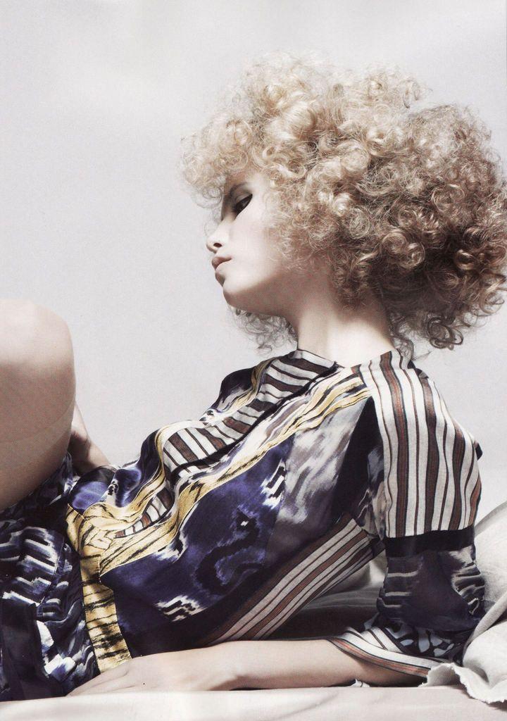 Fashion Freaks - Numéro November 2007 / La Muse / Natasha Poly / Horst Diekgerdes