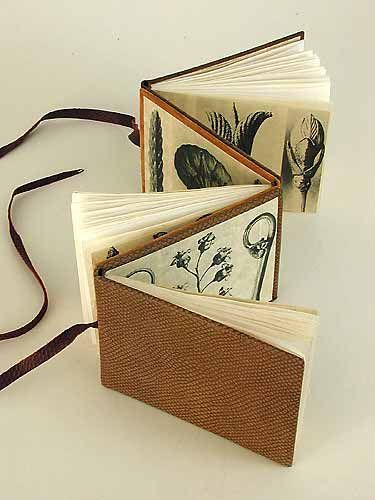 Accordion book with pages attached to both sides