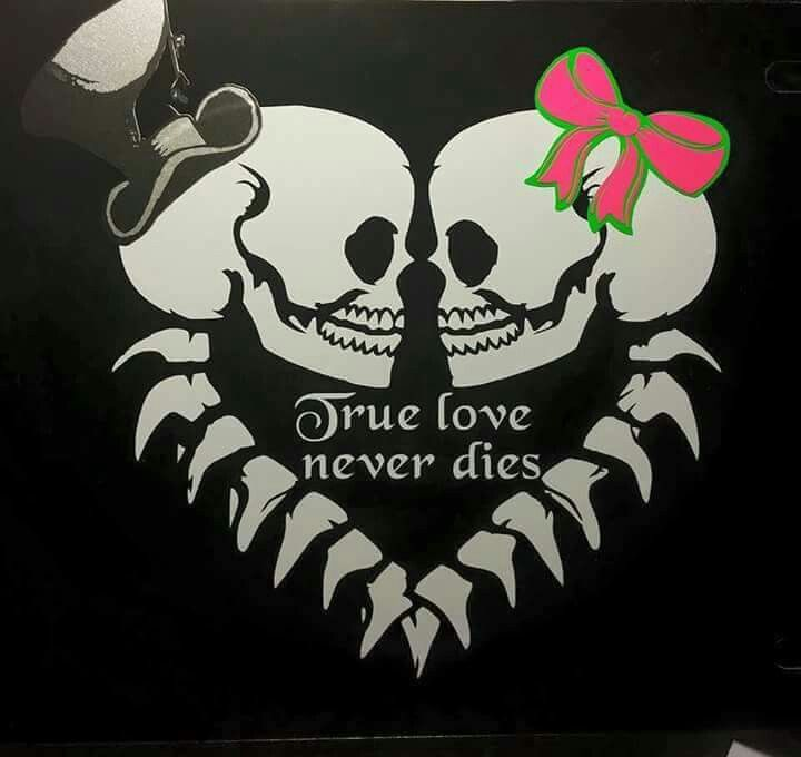 True love skull art creepy things sweet tattoos sugar skulls love heart dark art art ideas tattoo ideas