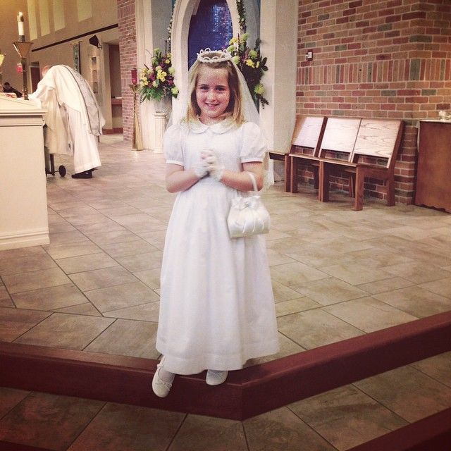 Princess Mia wore our Mary dress for her fist communion in New Orleans. So happy to be apart of such a special moment ⛪️