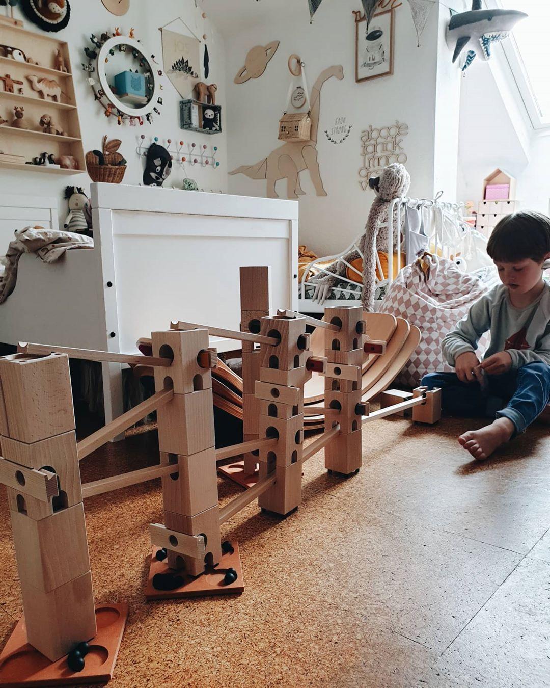 ʝ ℓ On Instagram Werbung Holzspielzeug Begleitet Unsere Kinder Schon Von