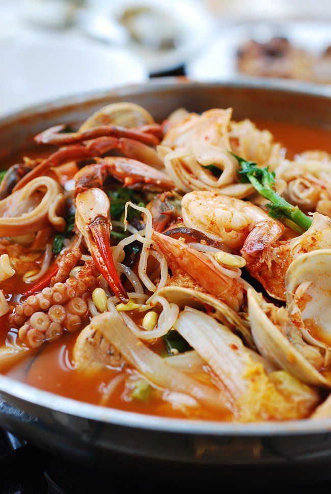 Haemul Jeongol (Spicy Seafood Hot Pot) - Korean Bapsang