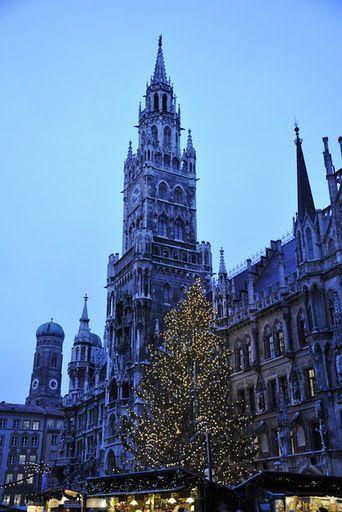#Rathaus #Muenchen Weihnachszeit #Germany