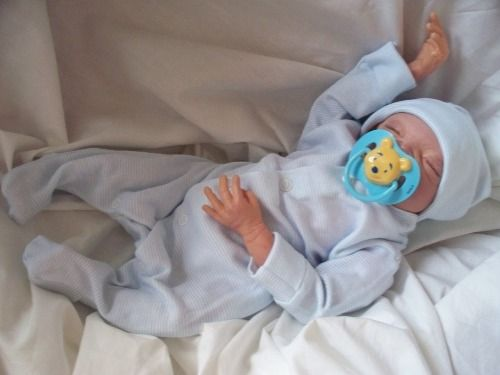 smallest baby bereavement clothes for babies born at 20 weeks upwards so  sweet and gentle