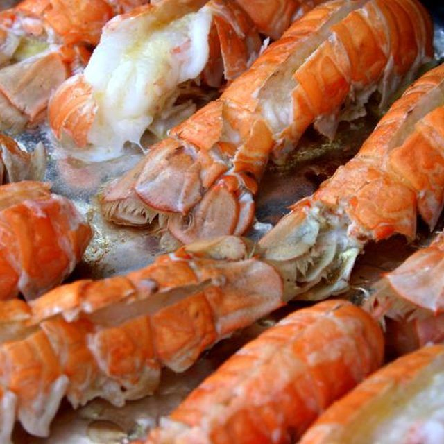 How to Know How Long to Boil Lobster Tails | Cooking ...