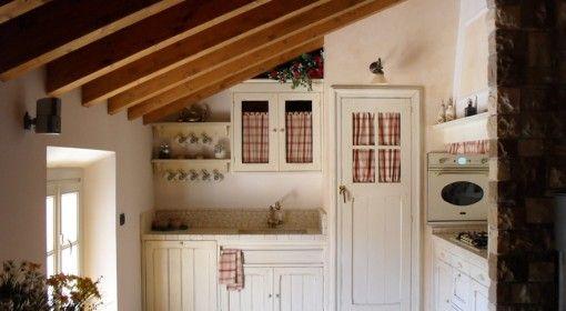 cucina per mansarda | kitchen | Pinterest | Mansarda, Pensili e Cucina