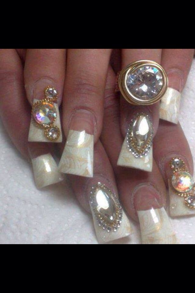 Duck tips pearl white with jumbo crystals | Pinterest | Uñas ...