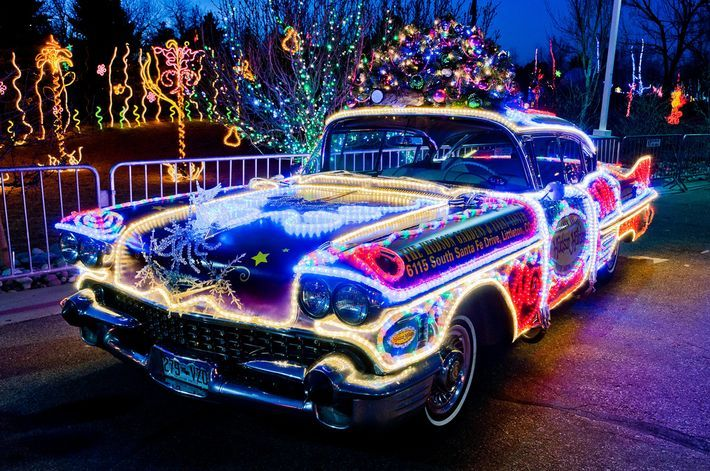 12 People Who Have More Christmas Spirit Than You Lds Smile Christmas Car Decorations Christmas Car Weird Cars