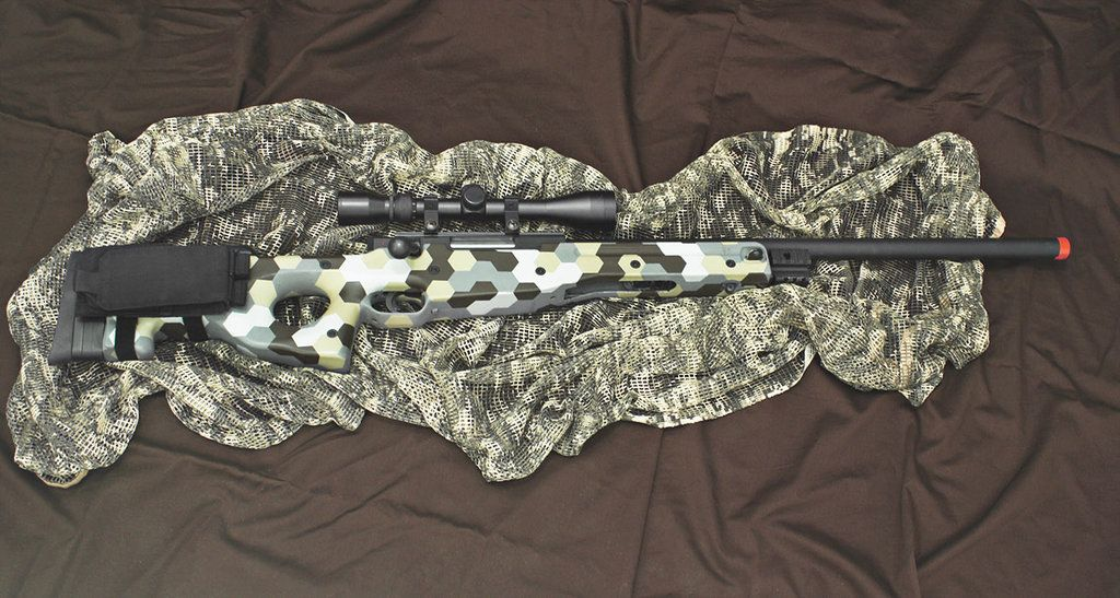 Custom L96 Airsoft sniper rifle with Hex-camo
