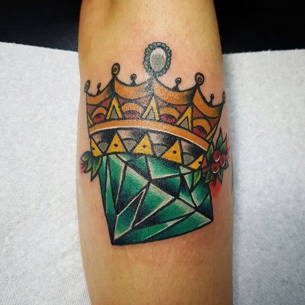 50 Crown Tattoo Ideas for Men and Women // September, 2019 ...
