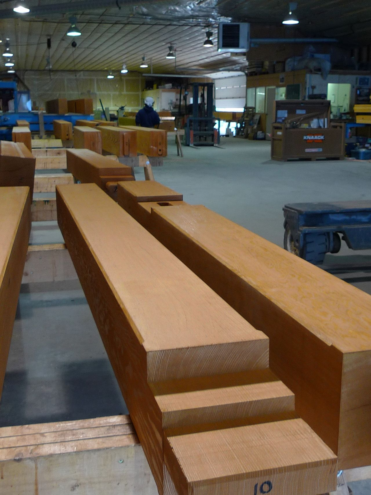 Very High Grade Timber Coastal Douglas Fir Select Structural Grade Fohc 8 Ring Per Inch Kiln Dry In Radio Fre Timber Frame Construction Home Post And Beam