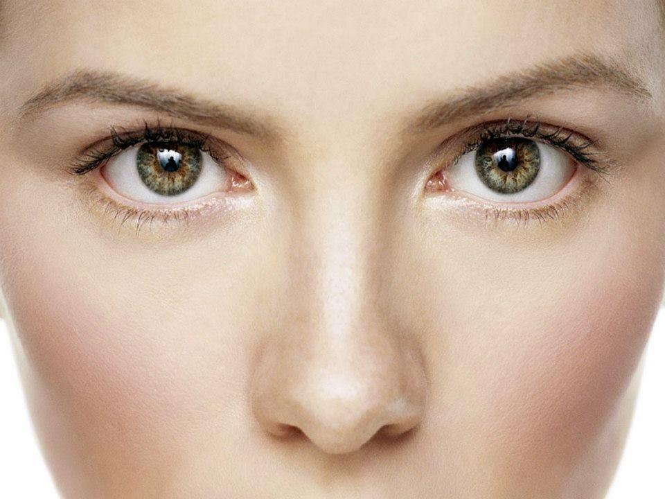 El efecto Fosfenos se presenta cuando te frotas con fuerza los ojos y ves luces y colores. Se genera por la estimulación mecánica, eléctrica o magnética de la retina o corteza visual. #ClínicadeEspecialidadesOftalmológicas