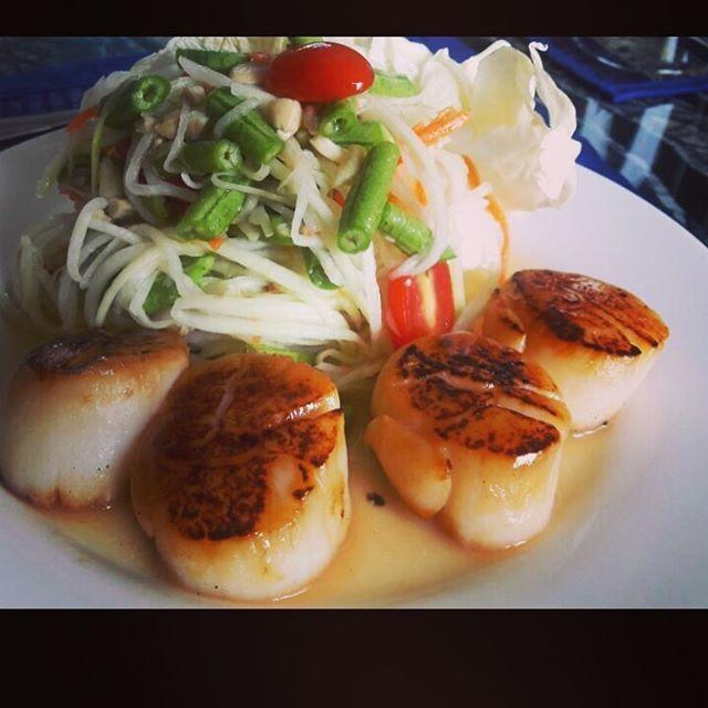 Pan fried scallops with Som Tam - Papaya Salad.