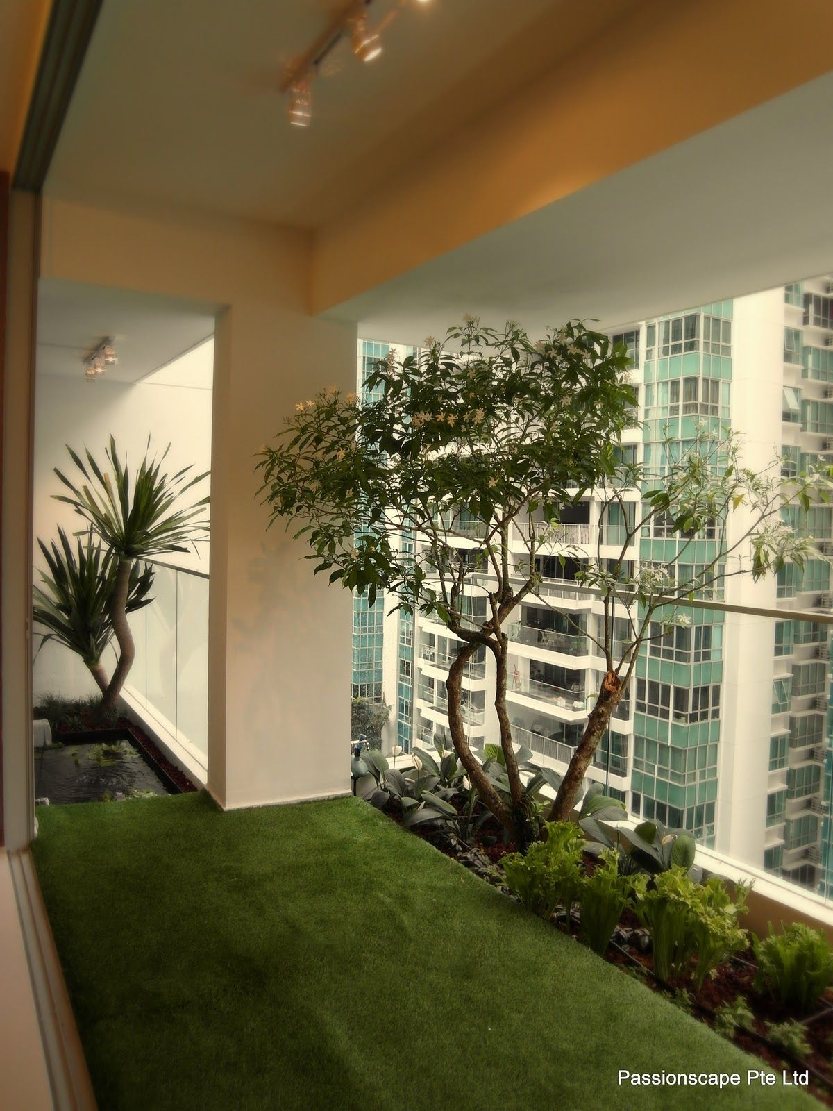 Japanese garden condo balcony google search condo deco for Apartment yard design