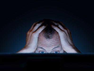 هل الفيسبوك هو مصدر تعاستك؟ | داليويات علمية