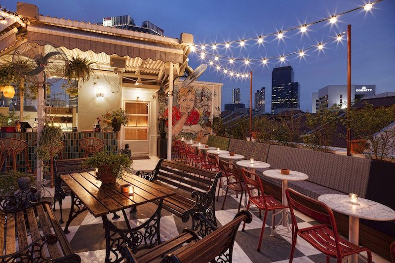 Urban Journey Best Rooftop Bars In Singapore Rooftop Restaurant Rooftop Bar Design Best Rooftop Bars