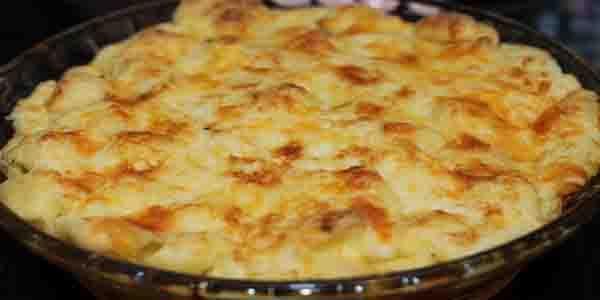 Nhoque Francês Ingredientes Massa: 1 Xícara (chá) de queijo prato ralado; ½ Xícara (chá) de margarina (100g); 1 Xícara (chá) de farinha de trigo; ½ Xí...