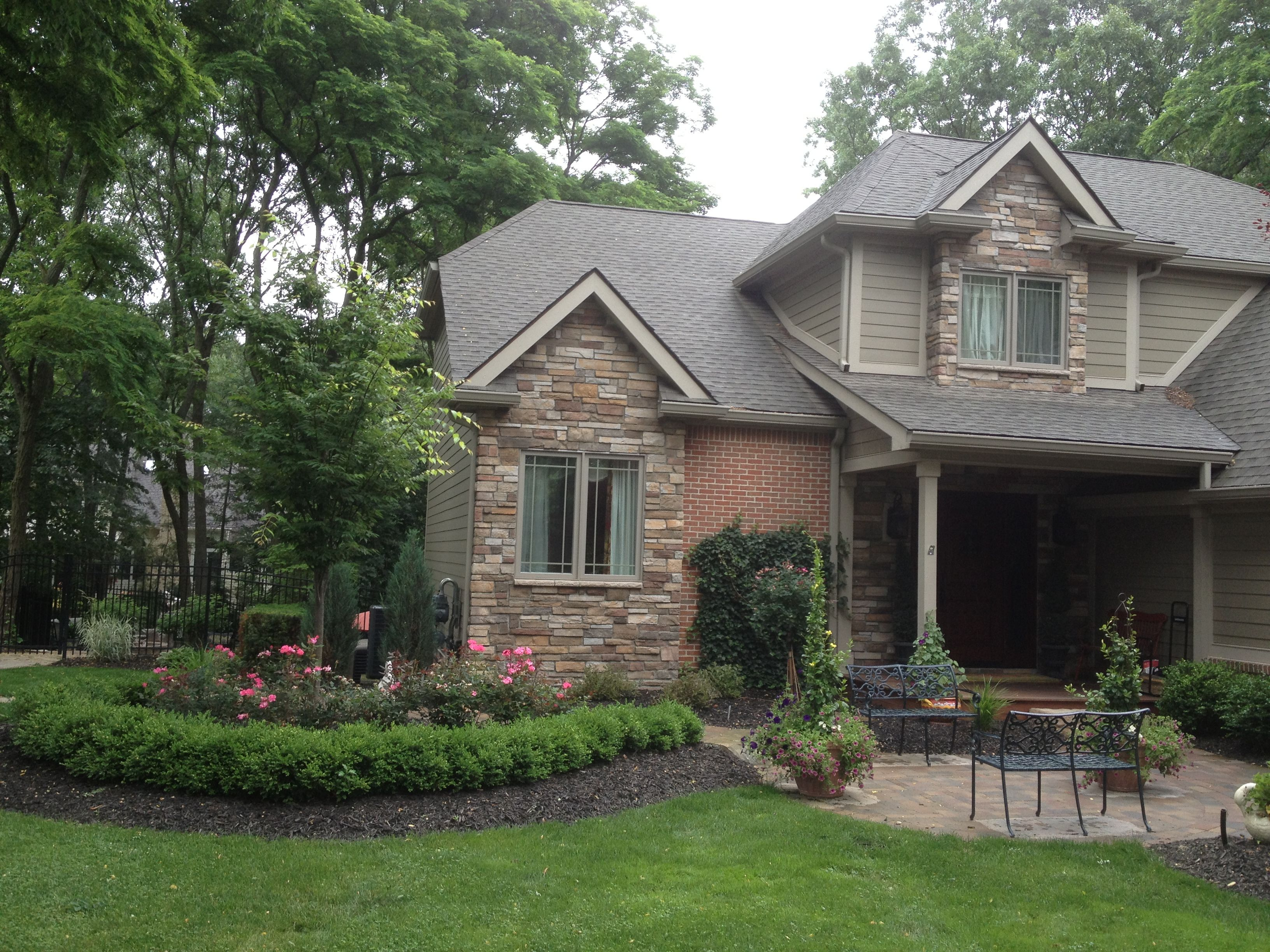 Beautiful Front Yard Landscape All Natural Landscapes 400 x 300