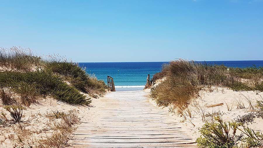 Playa De La Lanzada En Galicia Playas Paradisiacas Playa Guia De Viaje