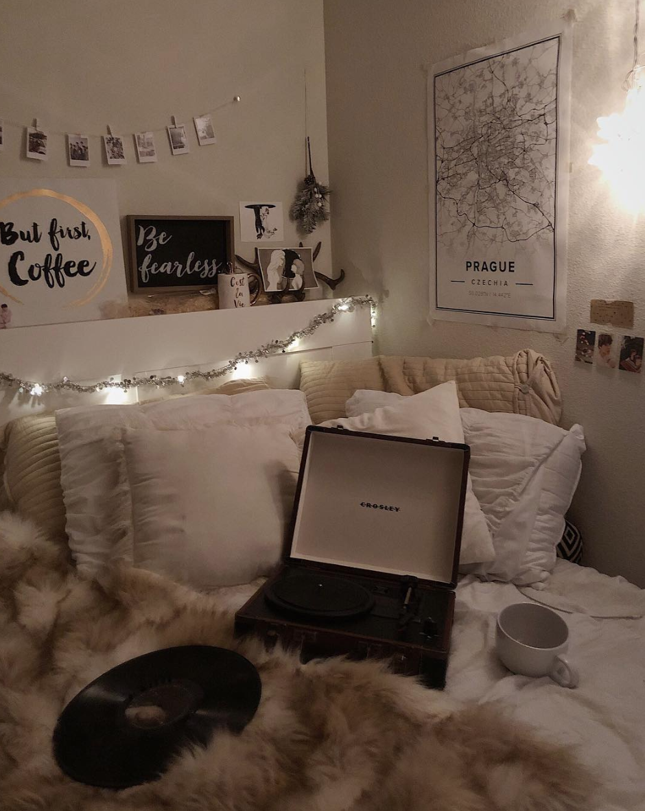 Uohome Aesthetic Bedroom Tumblr Rooms Student Room