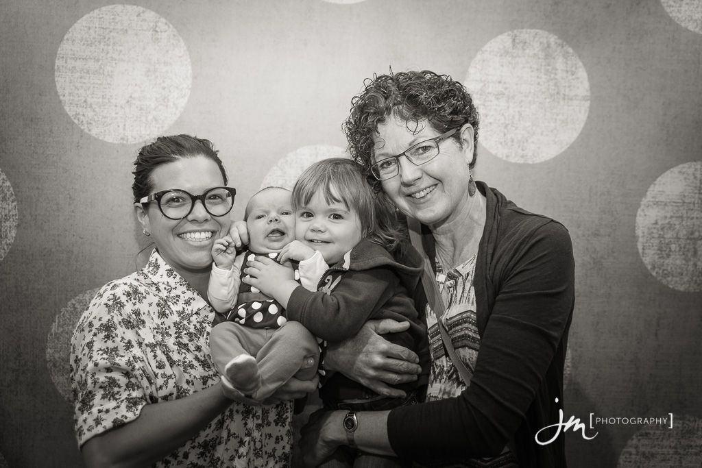 150804_006-Mommy-Connections-Newborn-Photography-Calgary-JM_Photography