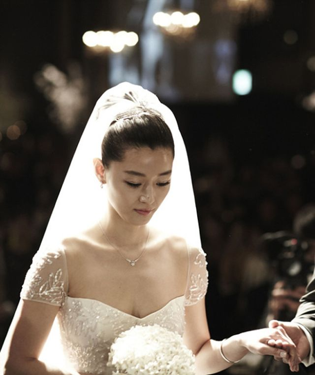Okay, So, Jeon Ji Hyun Wore Two Dresses On Her Wedding Day