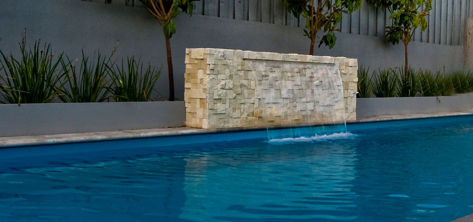 Swimming Pool Water Features Ideas Here Are Some Tips That Will Help You Plan For Your Outdoor Type