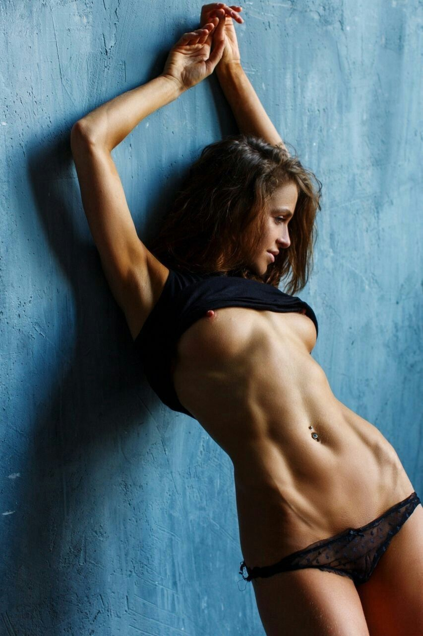 Girls with sexy abs naked — img 3