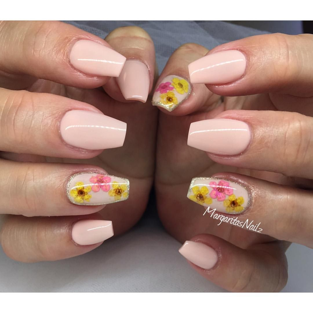 Instagram Photo By Margaritasnailz May 7 2016 At 8 11pm Utc Flower Toe Nails Summer Nails Flower Nails