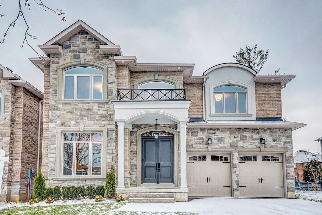 New Build Done Right Built By Highglen Homes And Recently Listed By Garry Welwood At 1 499 900 Home Inc New Builds American Houses