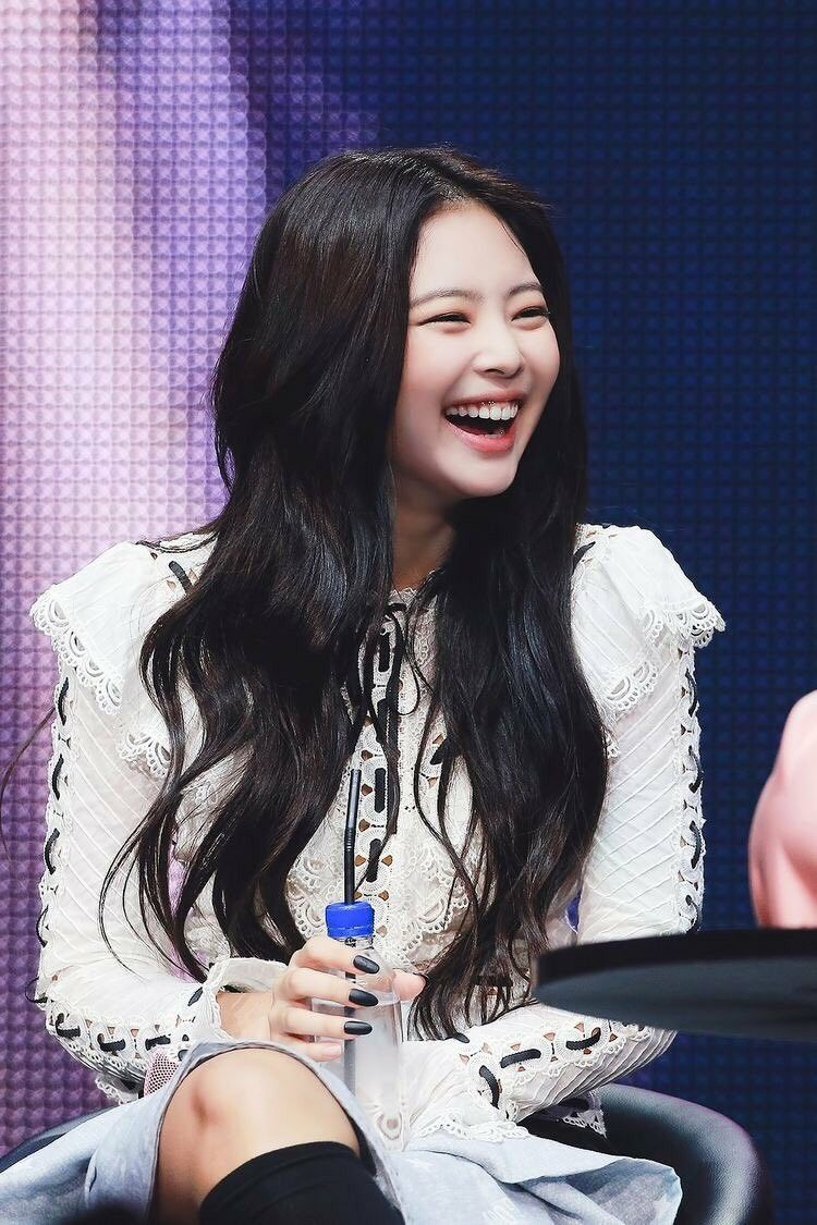 Pin by Sarah Mae Quismundo on JENNIE Blackpink jennie