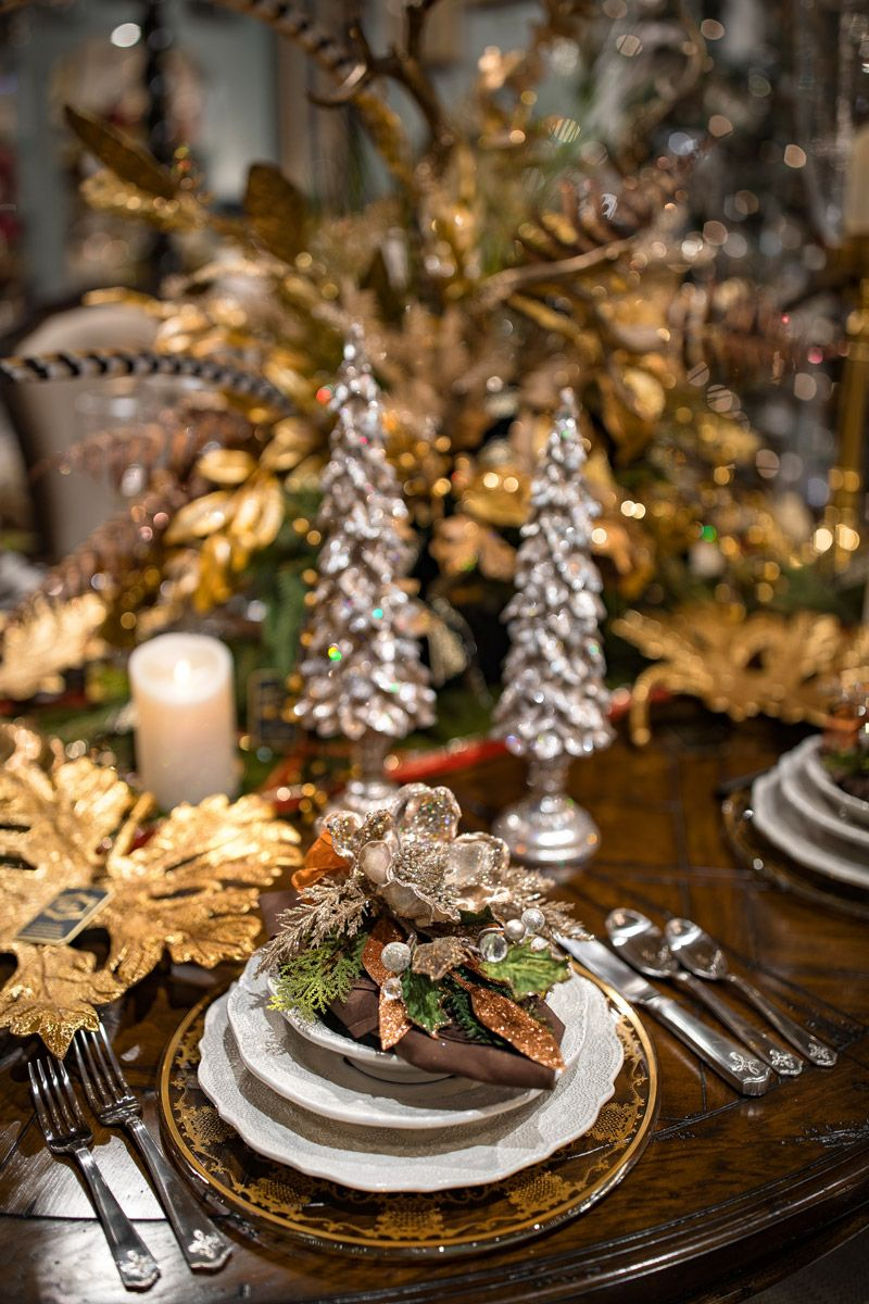 Custom Holiday Table Setting Luxury Holiday Decor Holiday Table Settings Christmas Dining Christmas Tablescapes