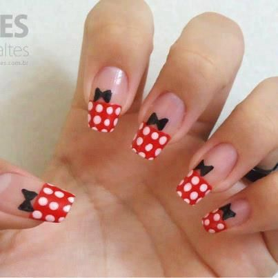 ropa de miki mouse  nail art nails minnie mouse nails
