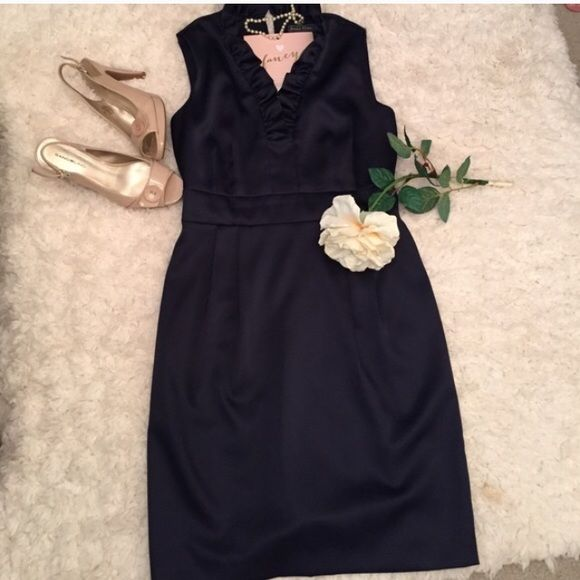 ✨Fancy Dress✨ Jessica Howard size 6 dress. Beautiful and in pristine condition. 🔹Navy in color and cute ruffle at the neck. I usually wear a 2-4 and this fits me. ✨Also in my closet is a cream dress that is very similar but different maker.💞 Really cute!! ✨Price is firm✨ Jessica Howard Dresses