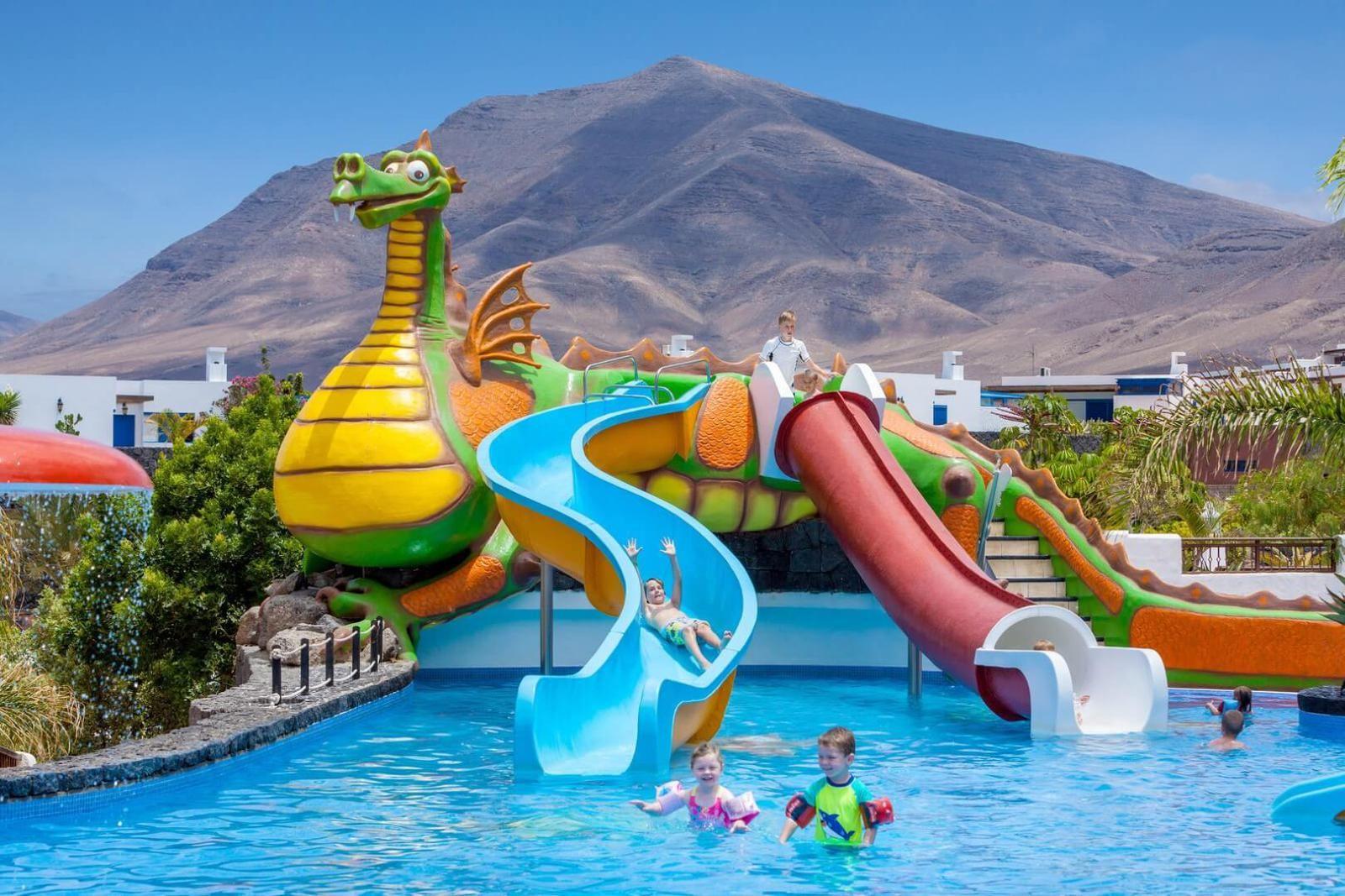Hoteles Para Ninos Hoteldreamgrancastilloresort Lanzarote Piscina Hoteles Para Niños Viajes Para Niños Piscinas