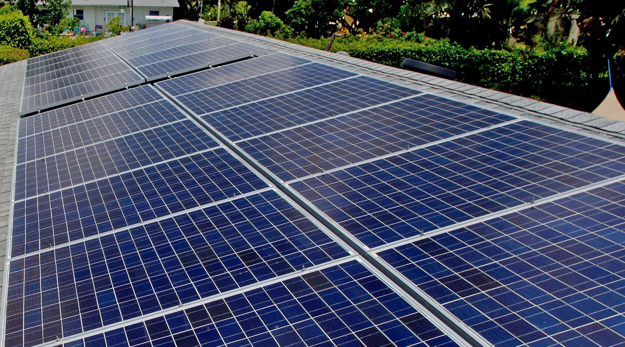 Florida Supreme Court Gives Green Light To Solar Initiative Solar Supreme Court Roof Solar Panel