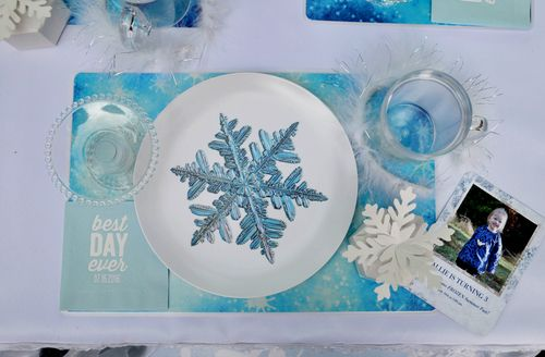 Frozen Birthday Party Snowflakes Elegant Frozen party Frozen Tea Party Birthday Frozen & Party Like a Princess | Frozen birthday decorations Frozen table ...