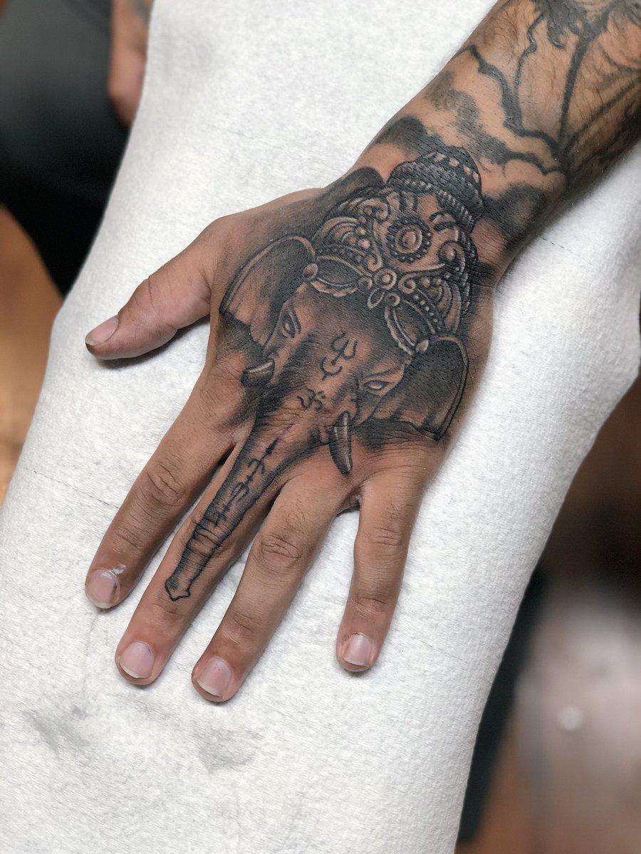 Hand Tattoo Tatuajes De Elefantes Indios Tatuajes En La Mano Tatuajes De Elefantes