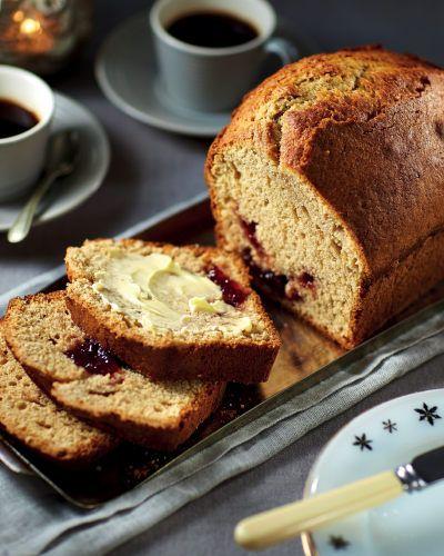 Peanut Butter & Strawberry Jam Cake