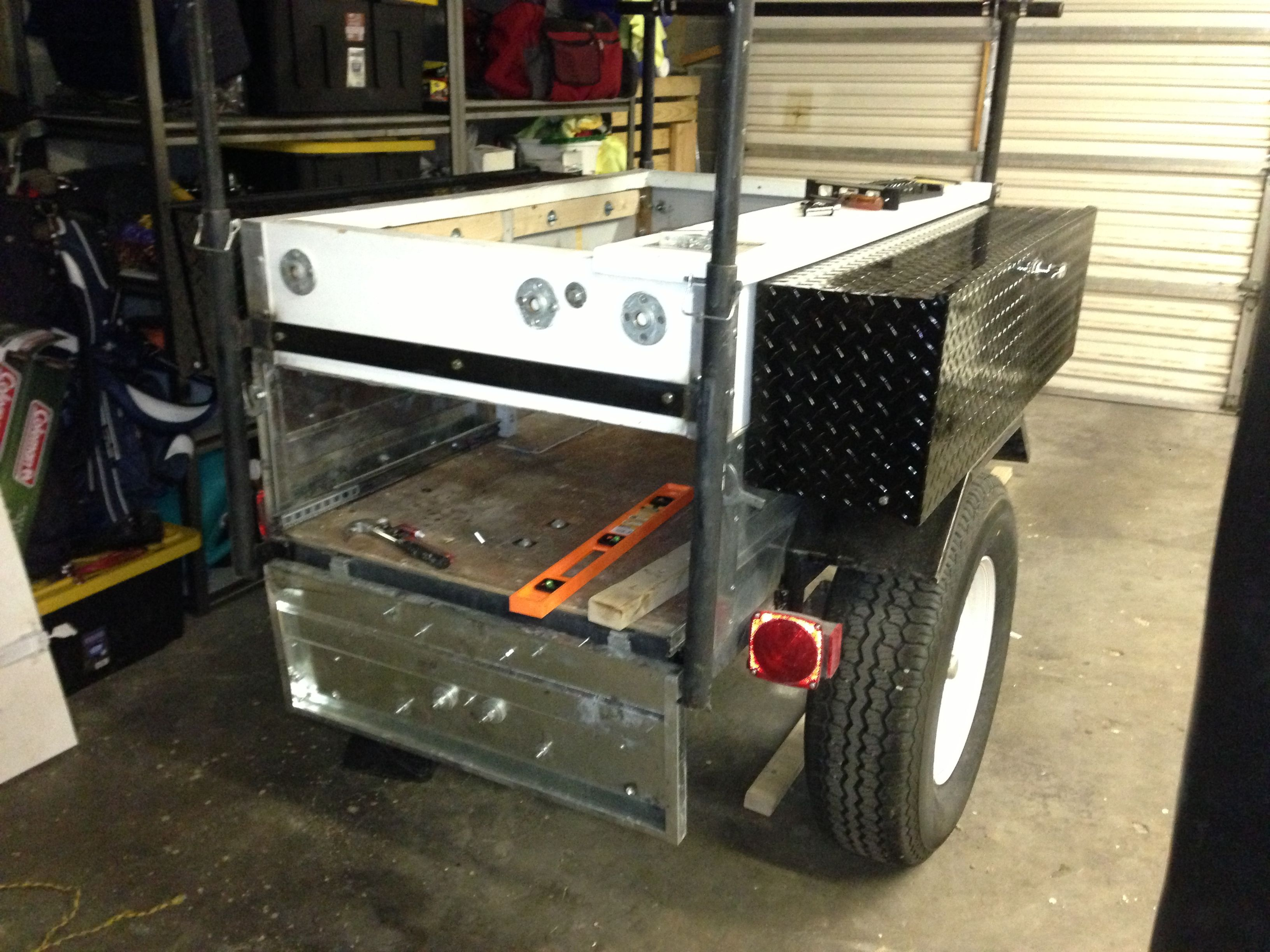 12v fridges, sliding bases and storage boxes Expedition