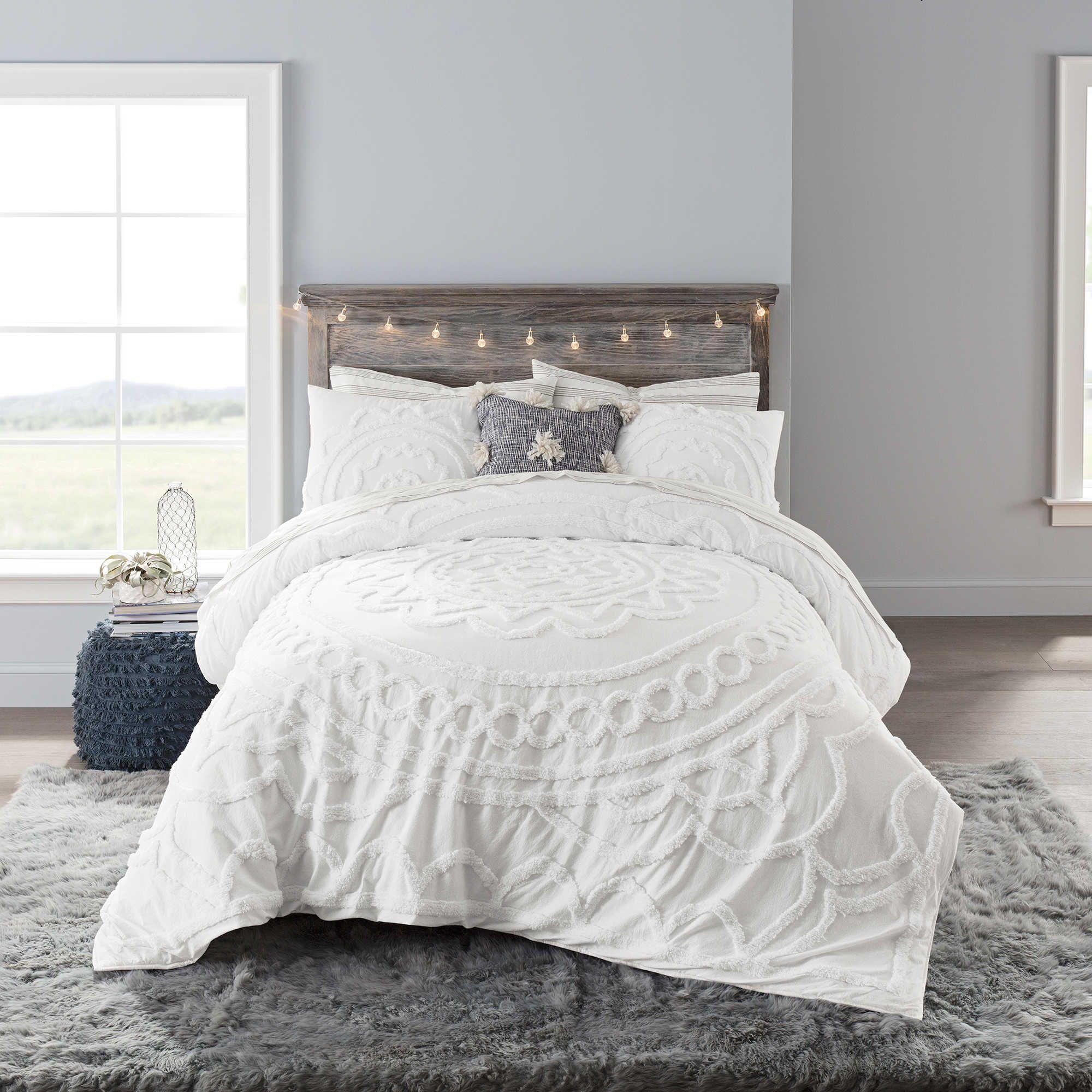 Anthology™ Tufted Medallion Full Comforter Set in White
