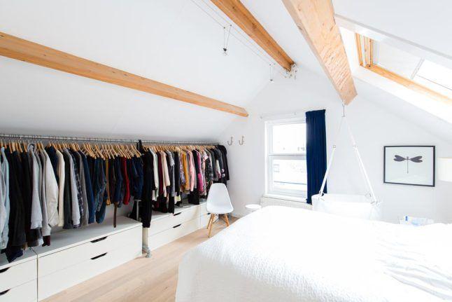 Praktisch: Begehbarer Kleiderschrank Entlang Der Ganzen Dachschräge