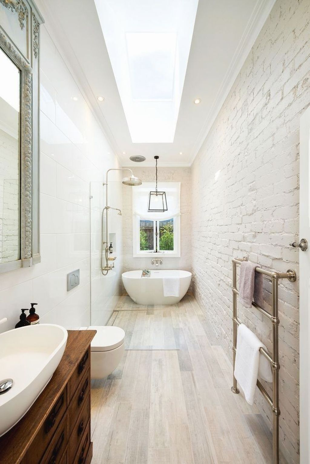 46 Nice Bathroom Remodel Designs Ideas Bathroom Bathroomdesign Bathroomdesignideas Small Bathroom Layout Small Narrow Bathroom Narrow Bathroom Designs