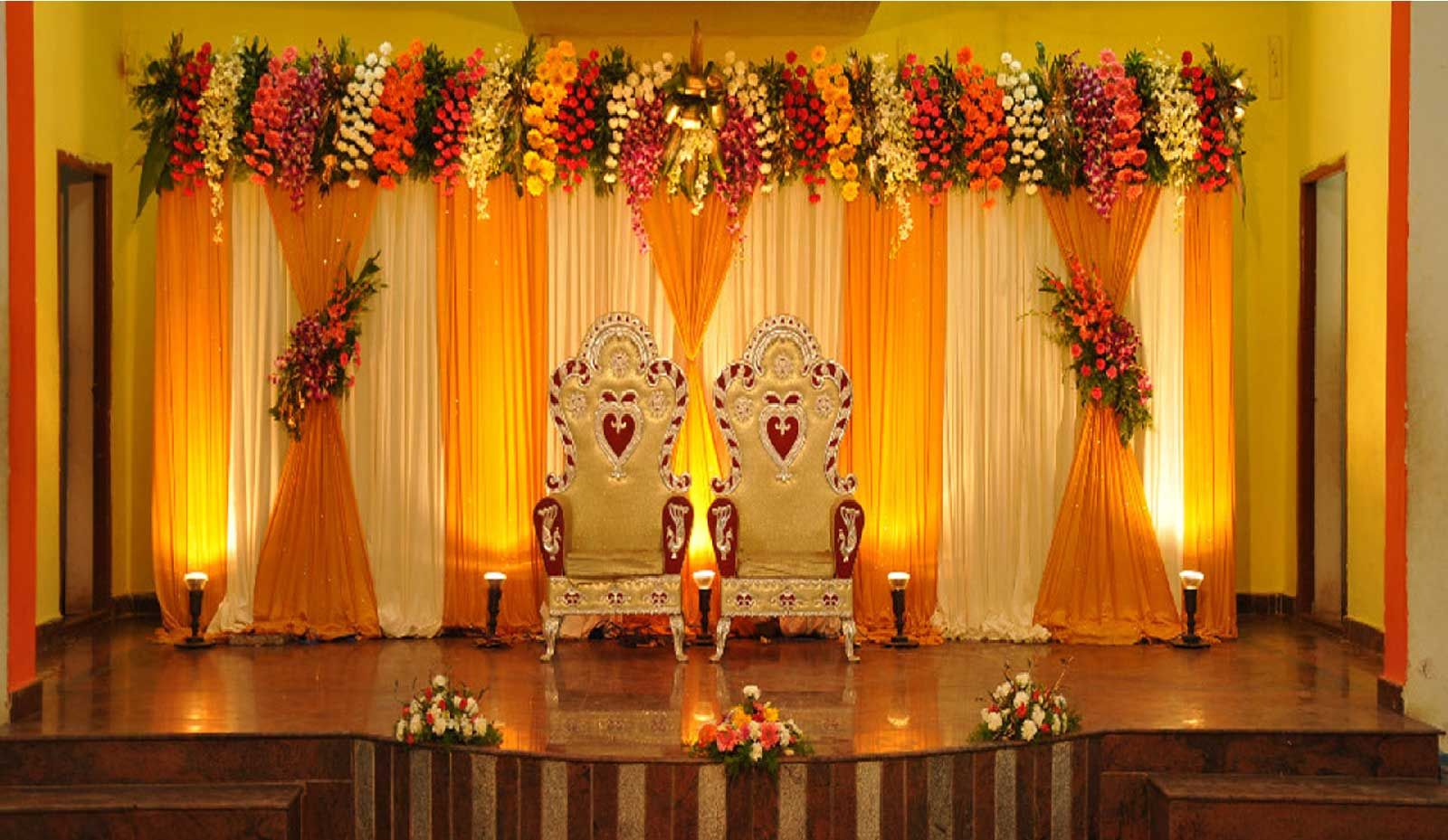 Simple flower decoration for wedding stage Simple flower decoration ideas